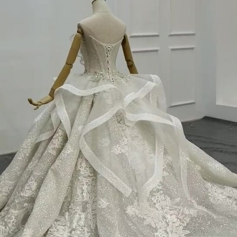 royal-wedding-gown-swarovski-extravagant.mp4