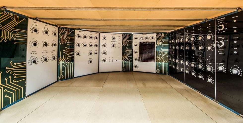 The Oscillator by Skunk Control