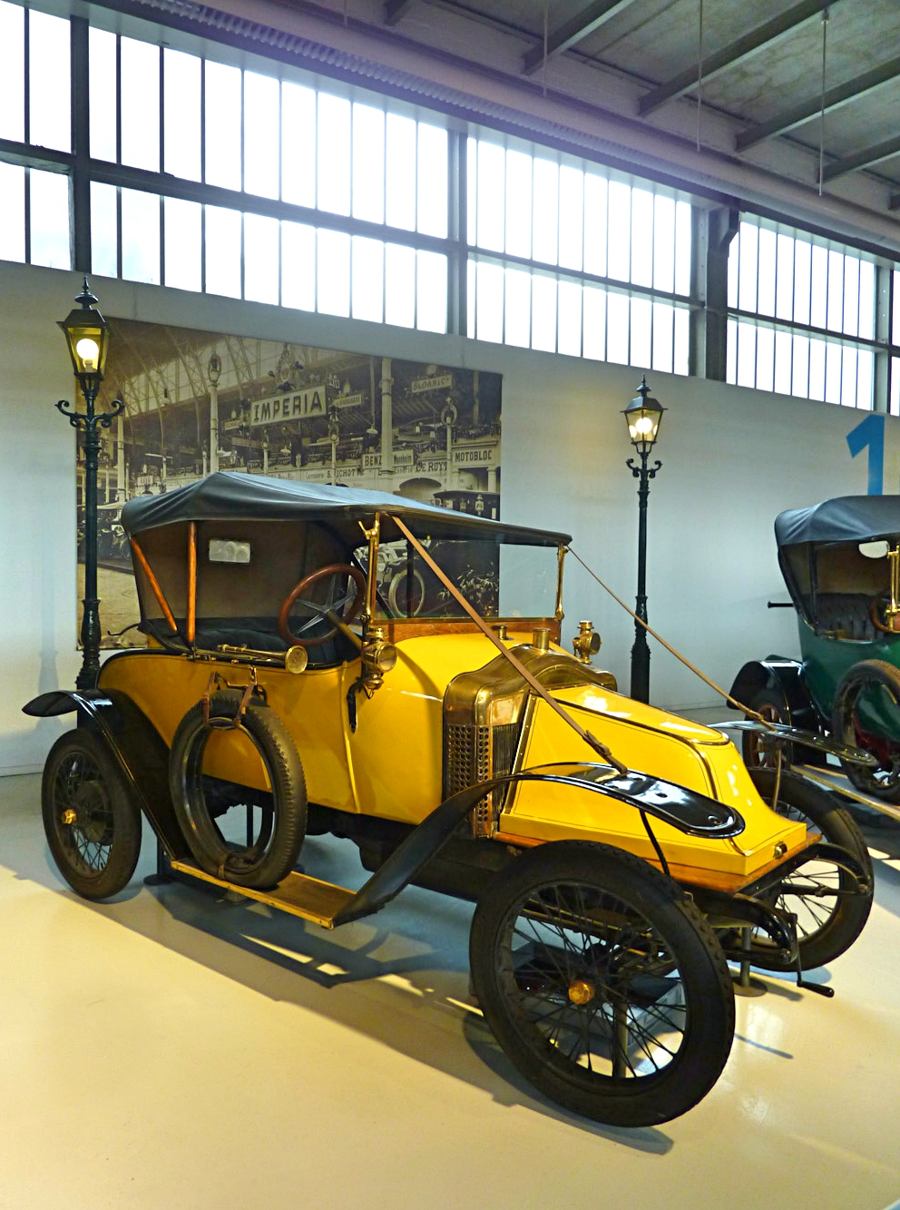 Autoworld Museum Brussels (97).jpg