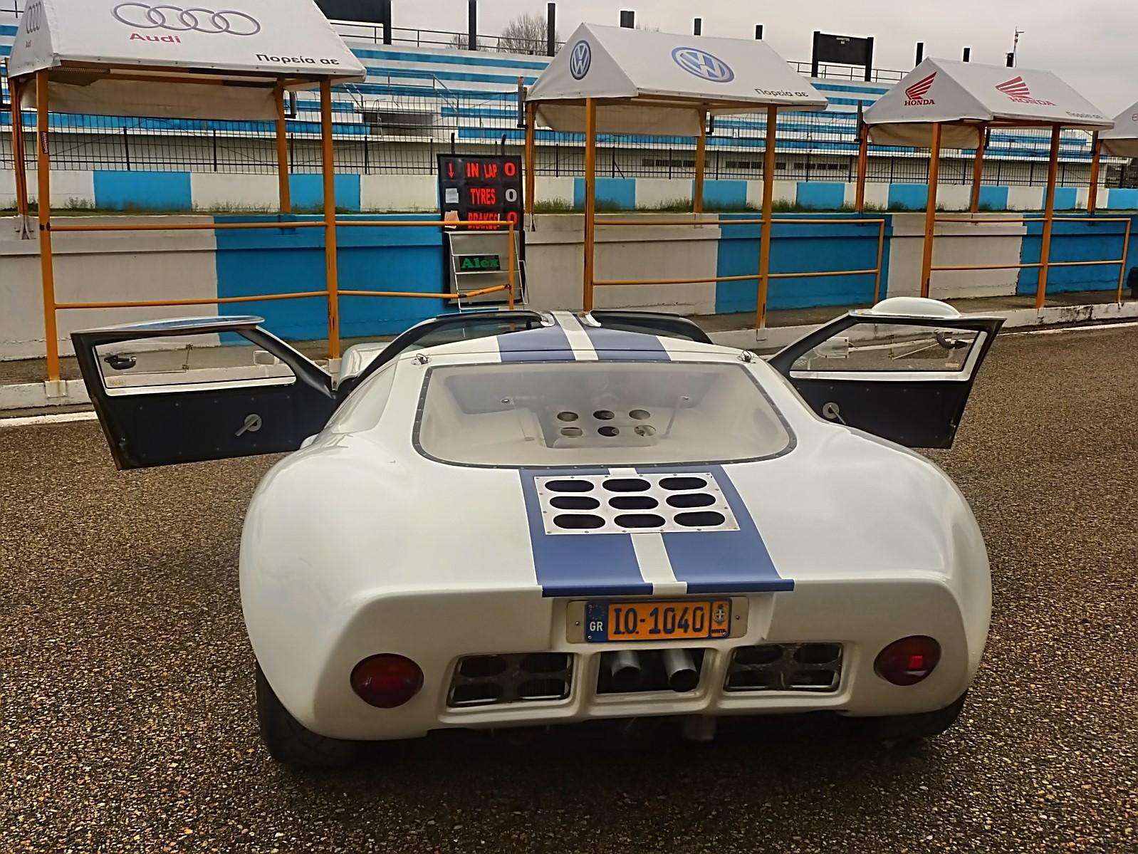 1967 Ford GT40 (3).jpg