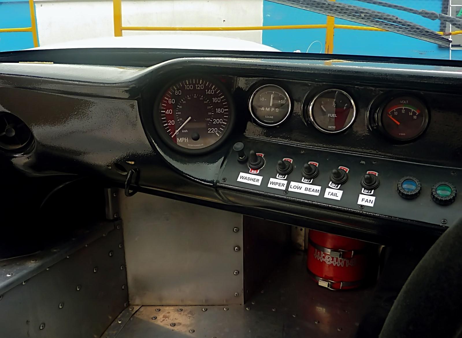 1967 Ford GT40 (8).jpg