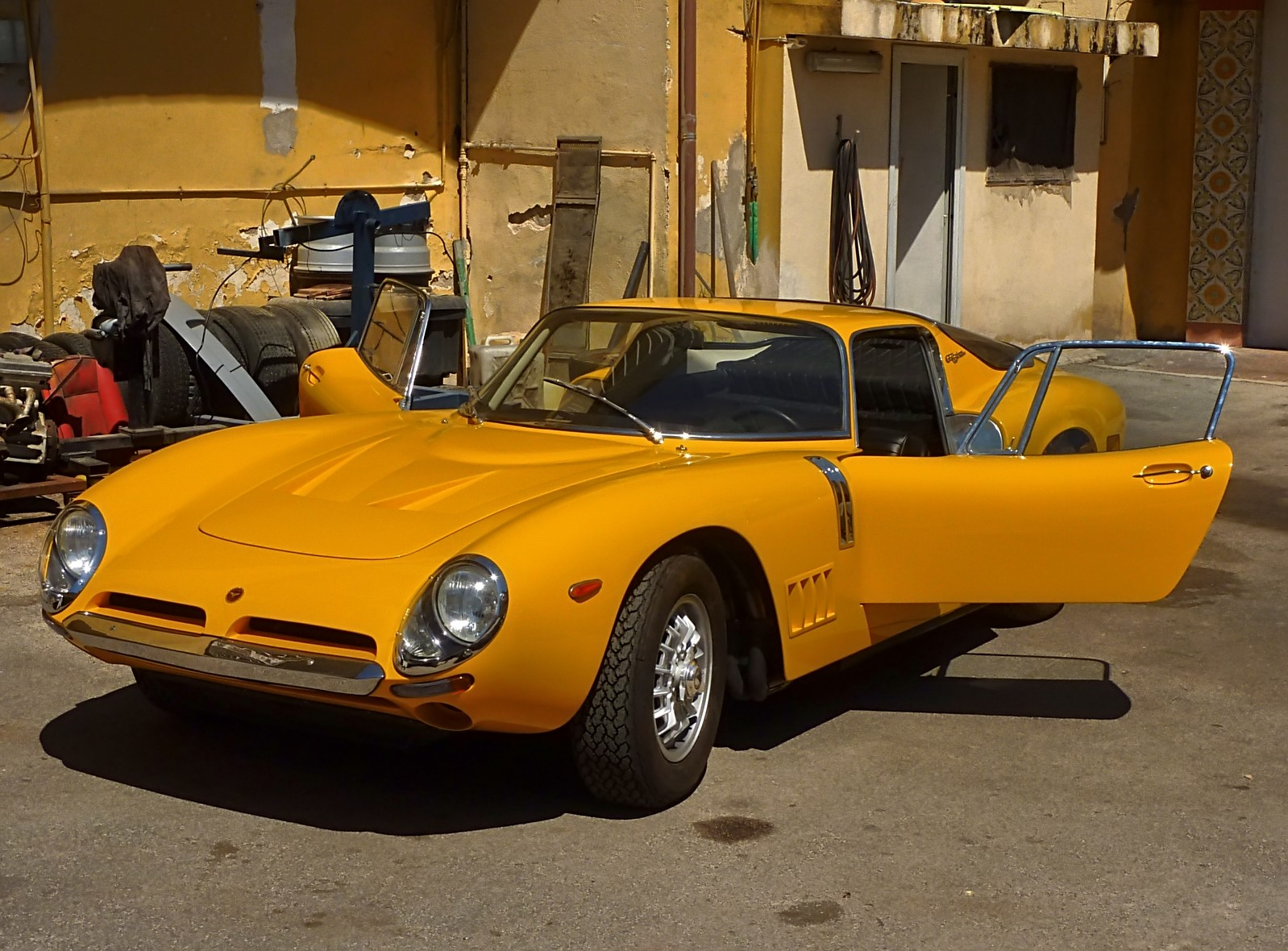 1966 Bizzarrini 5300 GT Strada (64).jpg