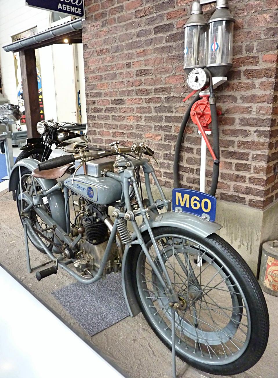 Autoworld Museum Brussels (34).jpg
