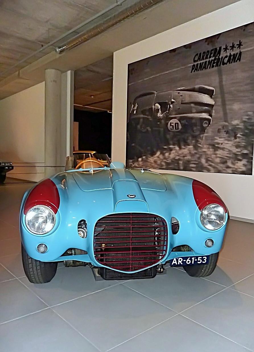 1953 Lancia D23 Spyder Pinin Farina (1).jpg