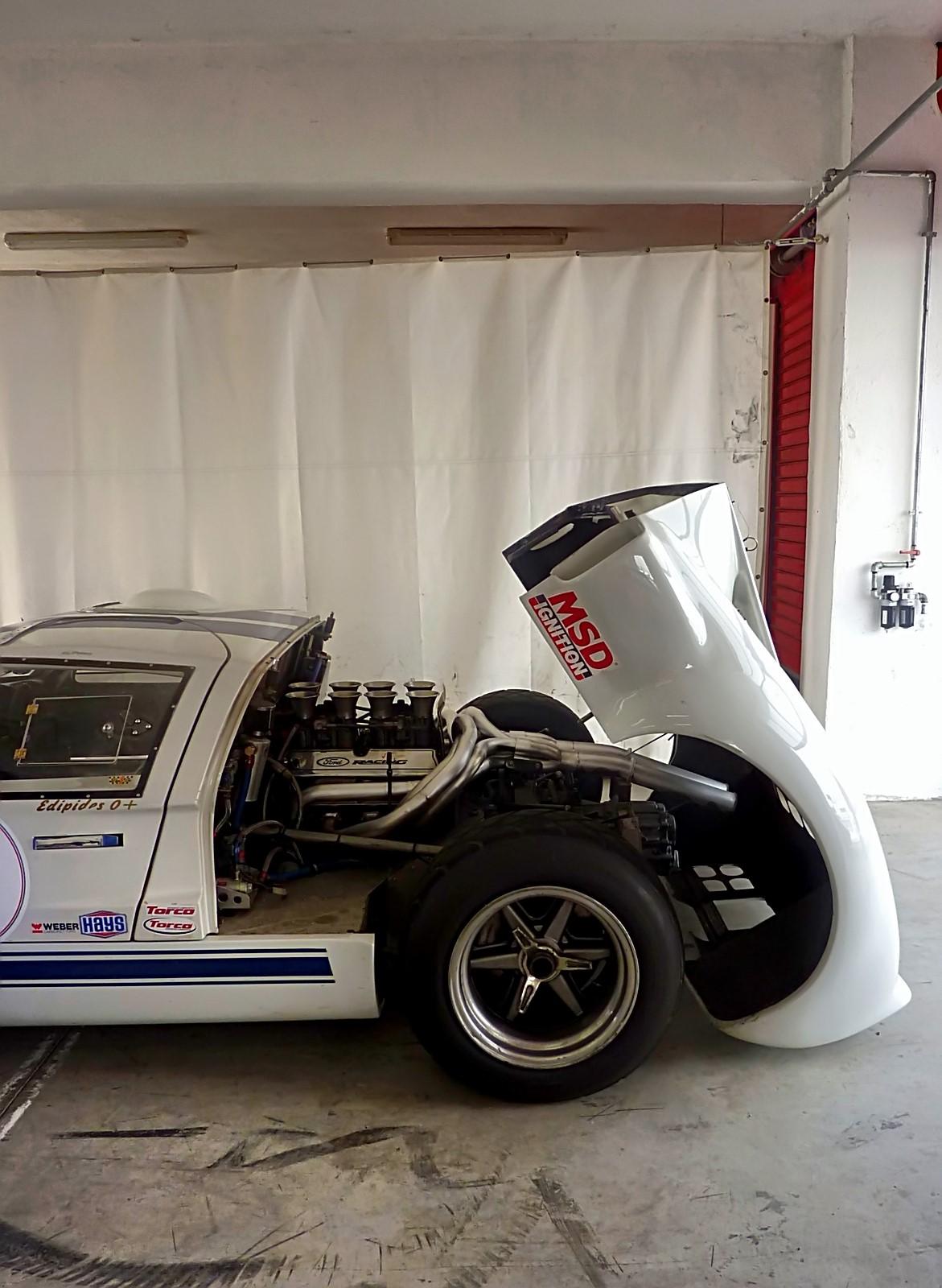 1967 Ford GT40 (14).jpg