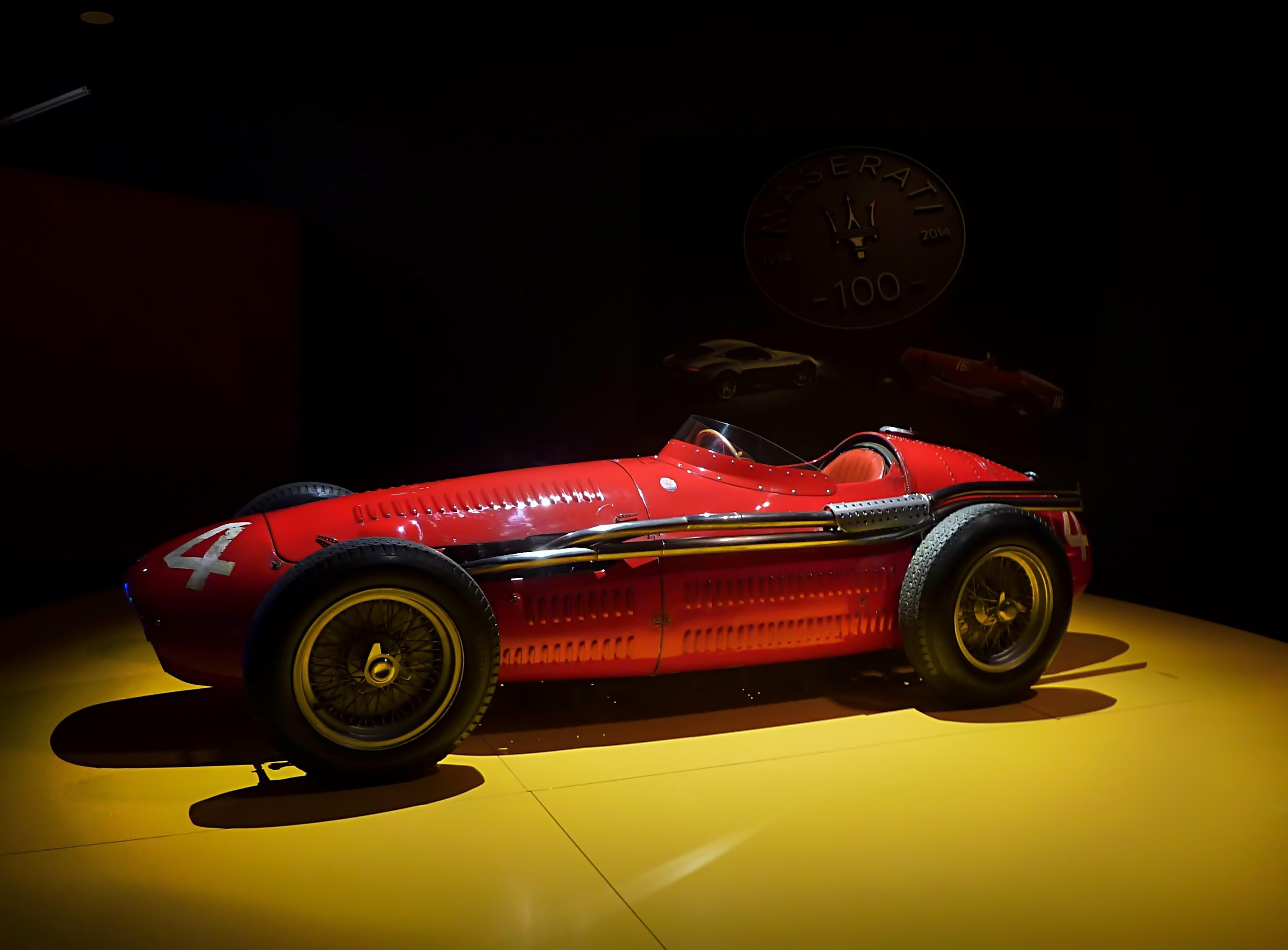 1954 Maserati Tipo 250F  (18).jpg
