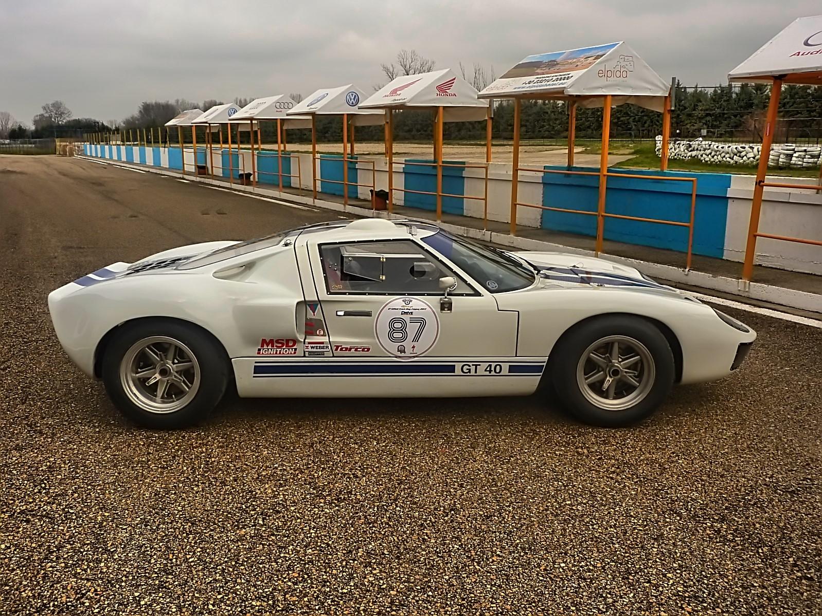 1967 Ford GT40 (32).jpg