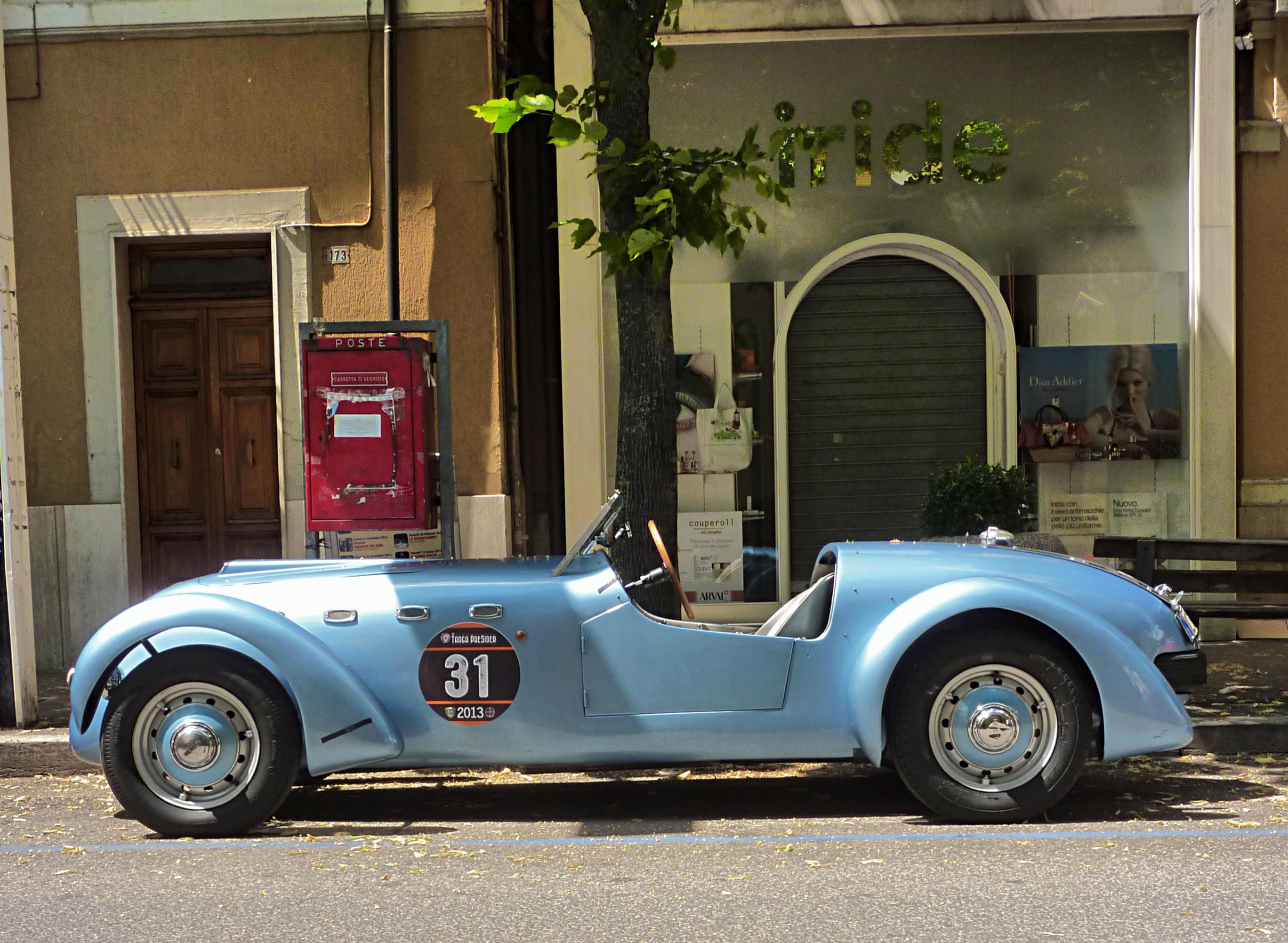 1950 Healey Silverstone (18).jpg