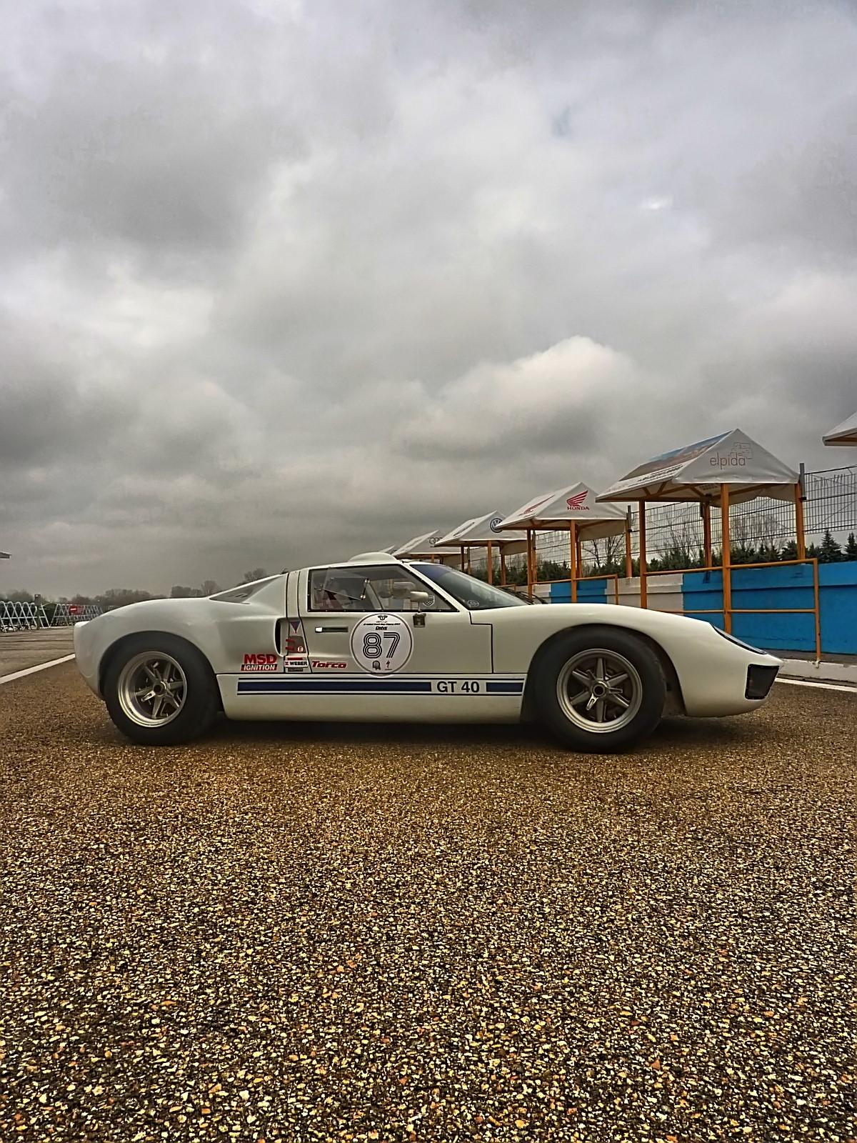 1967 Ford GT40 (33).jpg