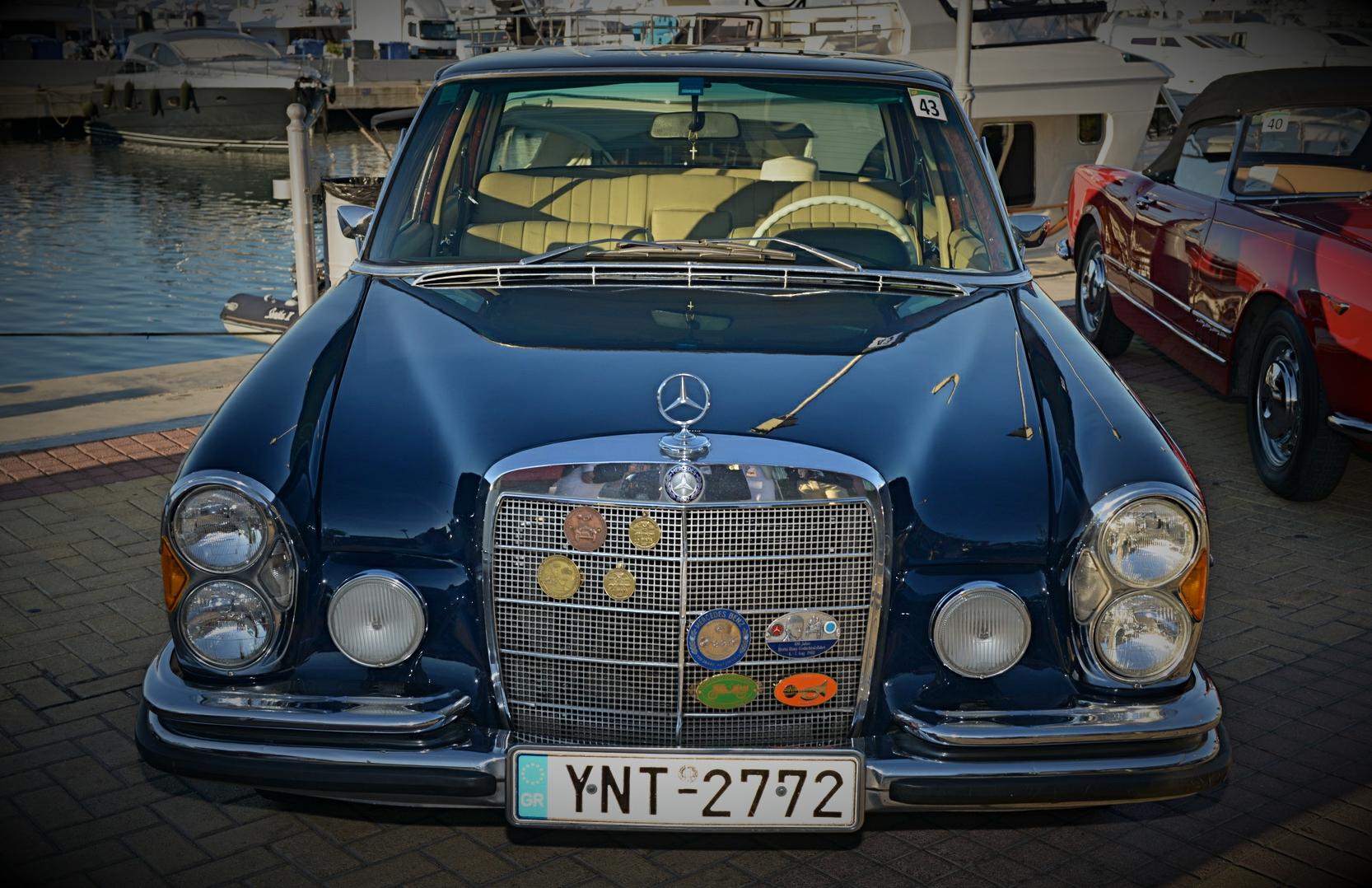 1966 MERCEDES 250S