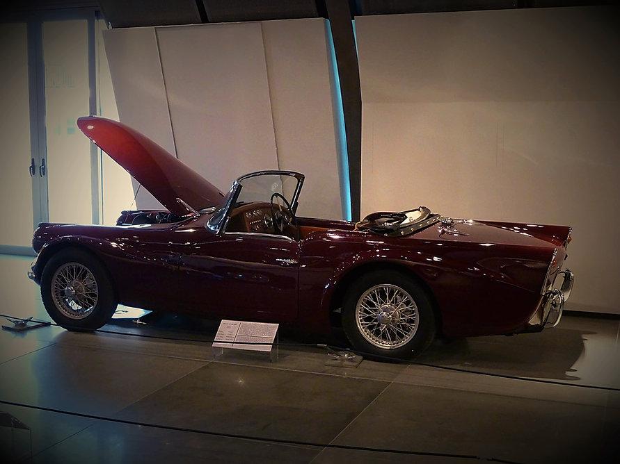 1960 Daimler SP 250 Dart (5).jpg
