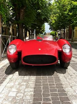 1959_Ferrari_250_TRFantuzzi_(3)
