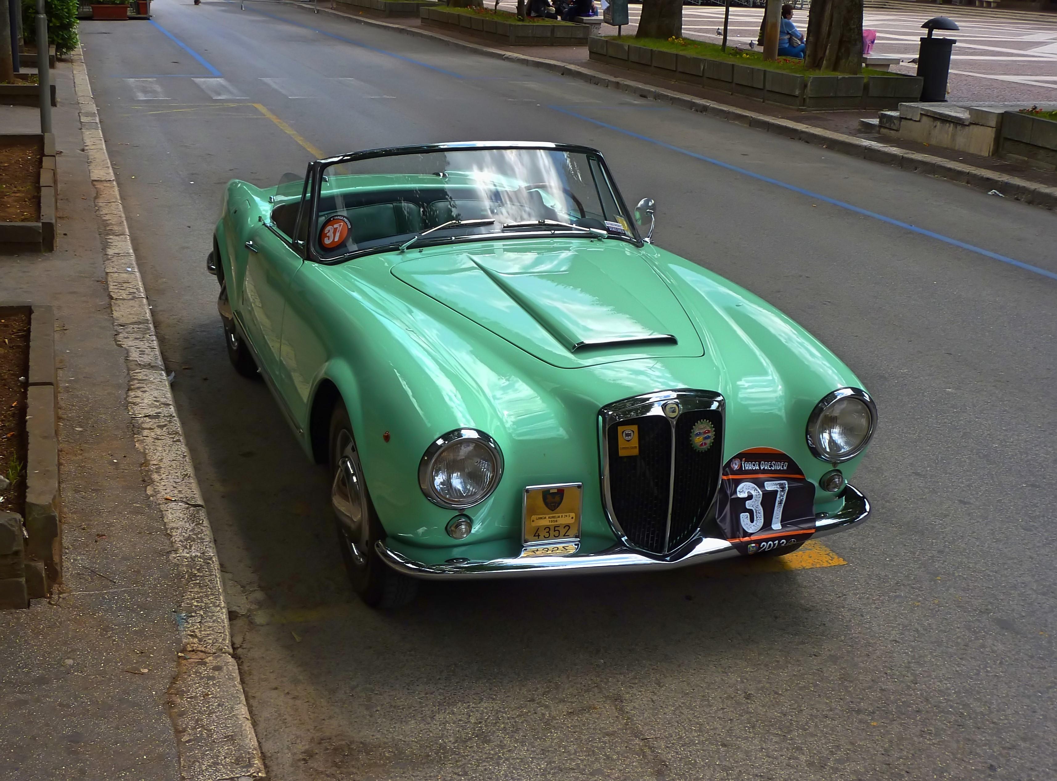 1956 Lancia Aurelia B24 Cabriolet  (8)