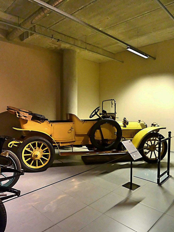 Louwman Museum (22).jpg