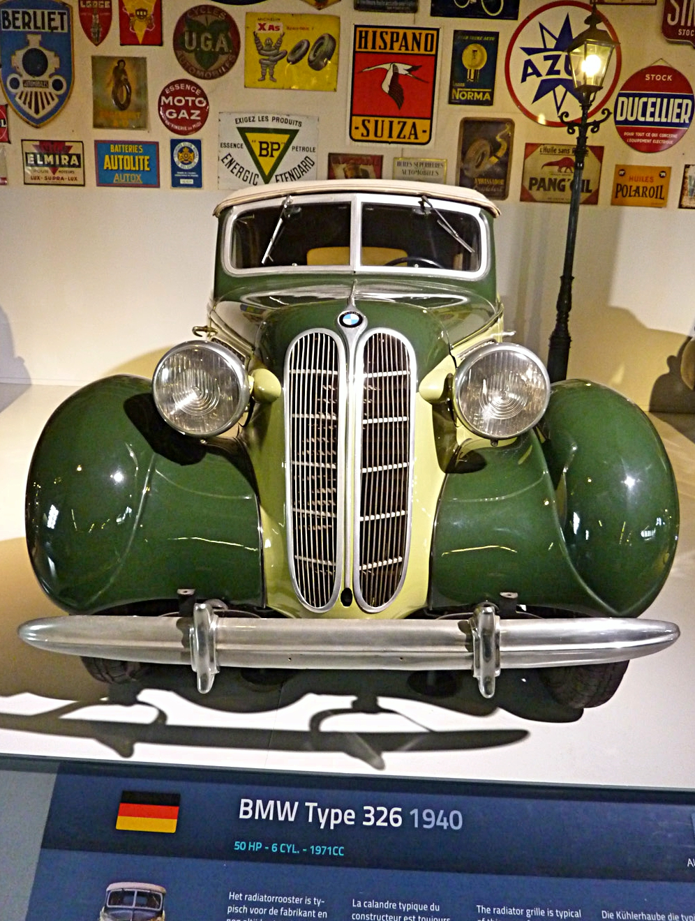 Autoworld Museum Brussels (68).jpg