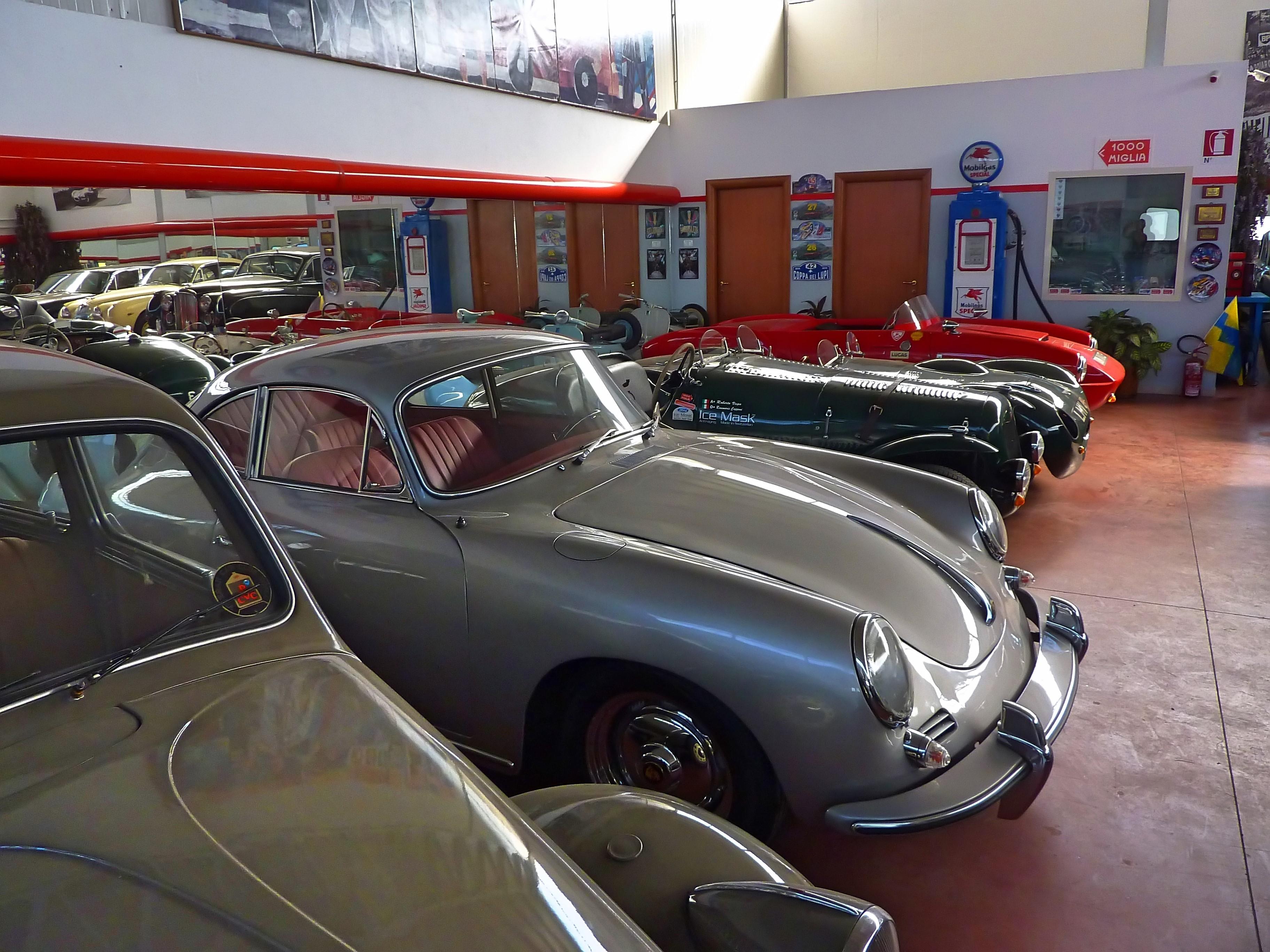 Alfio Lilli's Garage (24)