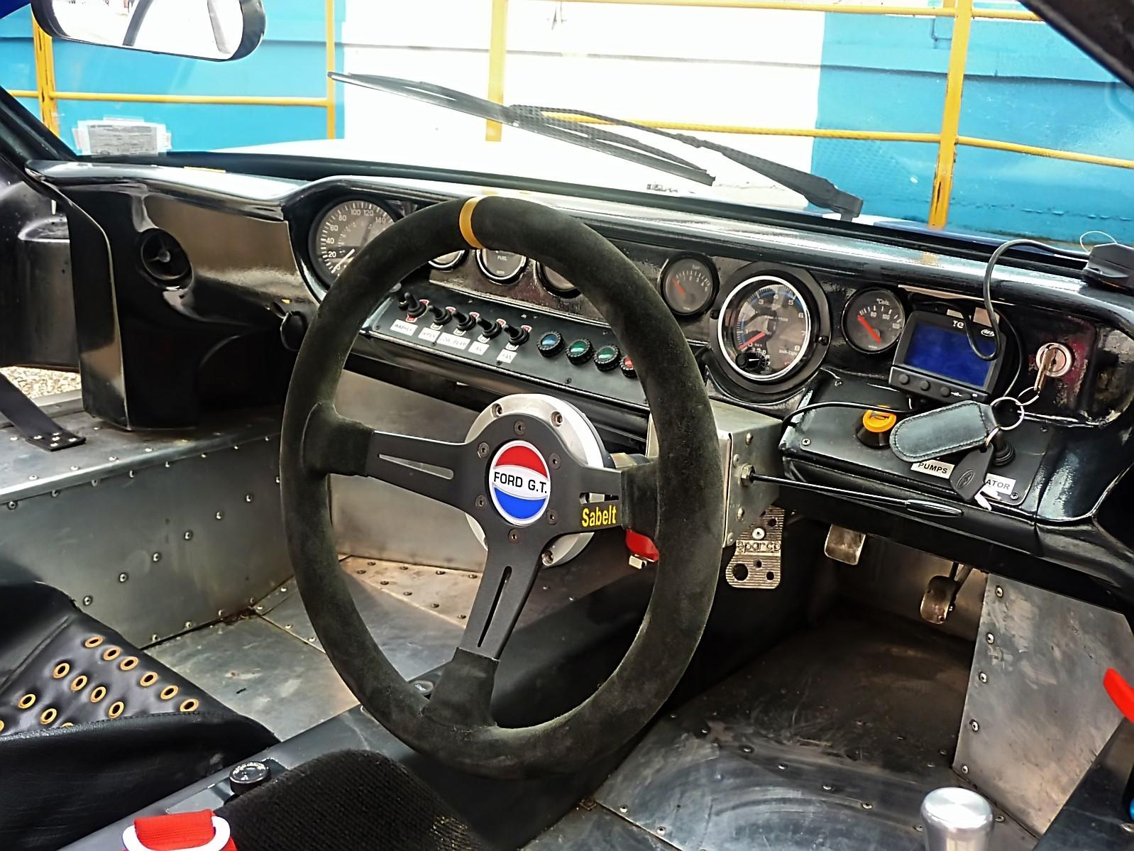 1967 Ford GT40 (6).jpg