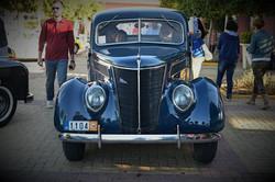 1937 FORD V8
