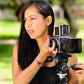Fotografa con camara Hasselblad