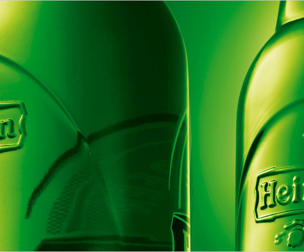 Heineken_bottle_detail.jpg