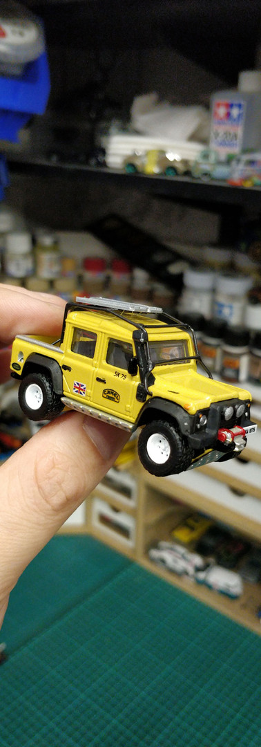 Hot Wheels Land Rover Defender Pickup
