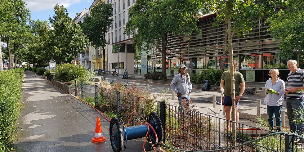 14.8.2021 - die16.ehrenamtliche Hydranten-Bewässerung mit Grünpflege