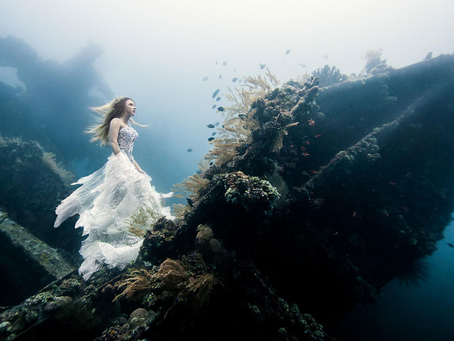 Say Hello to Your New Obsession: Underwater Fashion Photography