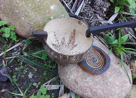 Peneira Artesanal na casca de coco