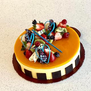 """12"""" Mango Mousse cake"""