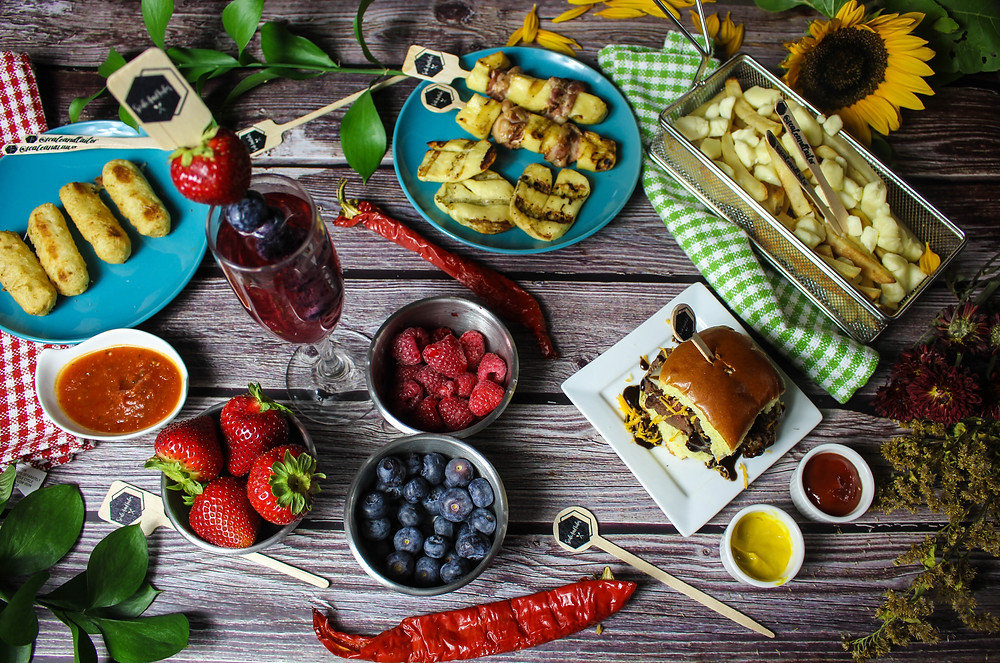 Picnic Lunch. Picnic Finger Foods. Picnic Food Ideas