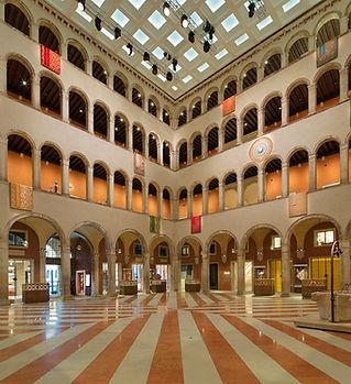 OMA-T-Fondaco-dei-Tedeschi-Venezia.jpg