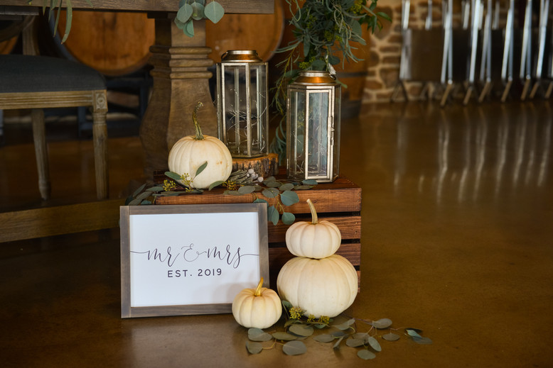 Decor in front of sweetheart table