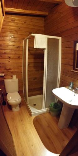 Double Bungalow Bathroom