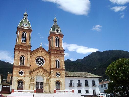 Iglesia_Sesquile.jpg