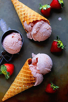 Homemade-Strawberry-Ice-Cream-2-683x1024