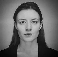Veronika-Kapustina+-bw.jpg