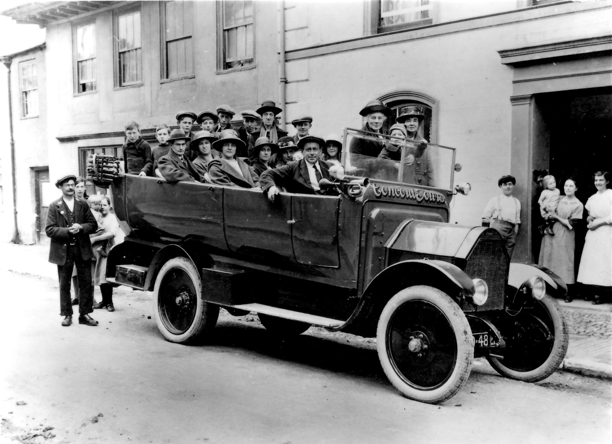 Charabanc outing -Salvation Army - 1910