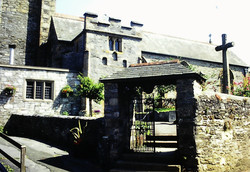 St. Maurice Church - Lytch gate and Cross
