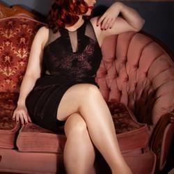 Helena Dawson The Curvy Red Head