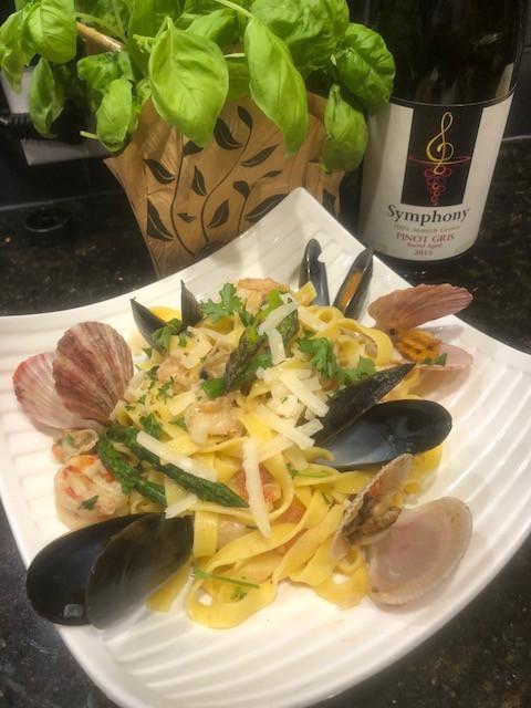 Sautéed scallops with pasta