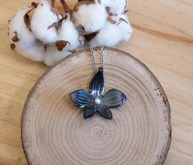Pendentif orchidée bleu