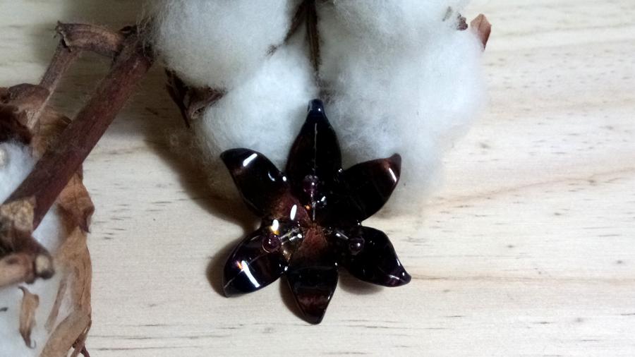 Pendentif lys orangé violet