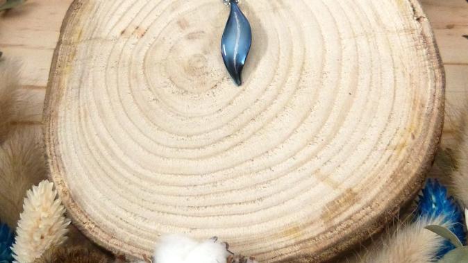 Pendentif bambou bleu