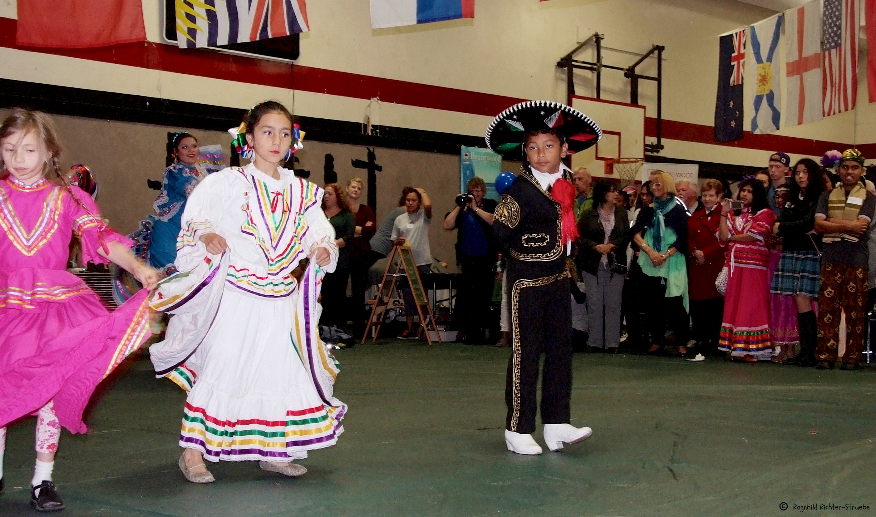 Fiesta Latina Dancers