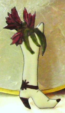 laarsje met tulpen broche