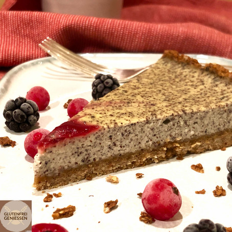 Cheesecake with poppy seeds