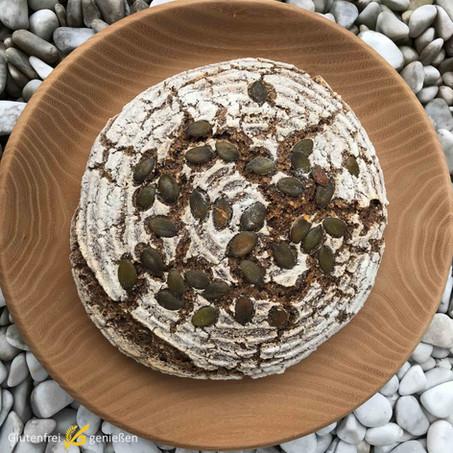 MyBread - glutenfreies Sauerteigbrot mit ganzen Hirsekörnern
