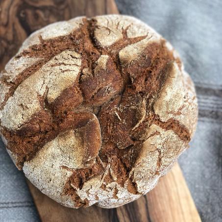 Bauernbua - mein super einfaches, glutenfreies Bauernbrot mit Vorteig