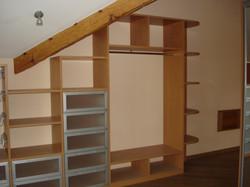 шкаф горка под лестницей