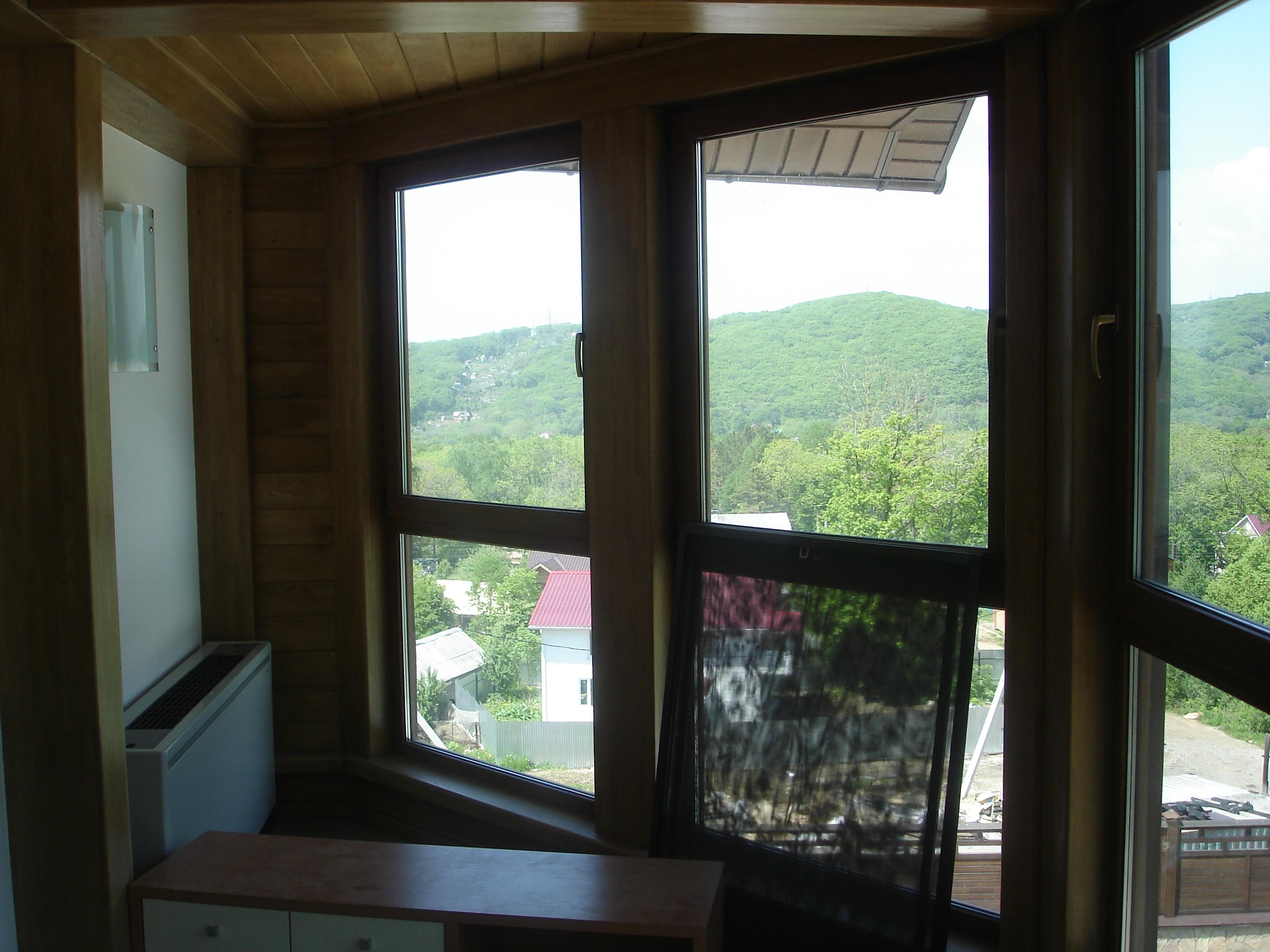 Мансарда окна из натурального дерева